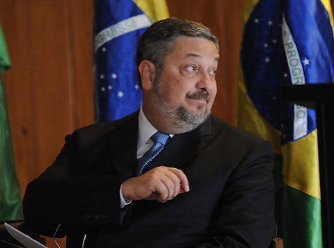 Um ex-ministro do Supremo acusa o ex-ministro Palocci de mentir em delação e tentar fraudar a Justiça