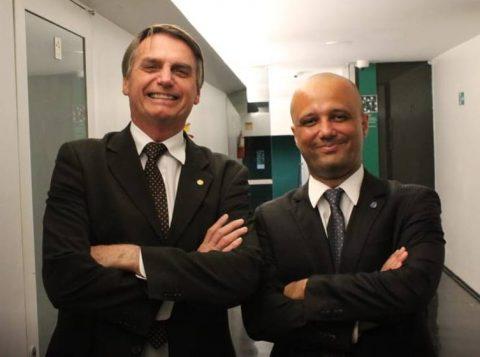 """""""O PSL poderia ter acabado se não desse sigla a Bolsonaro"""", diz líder do governo"""