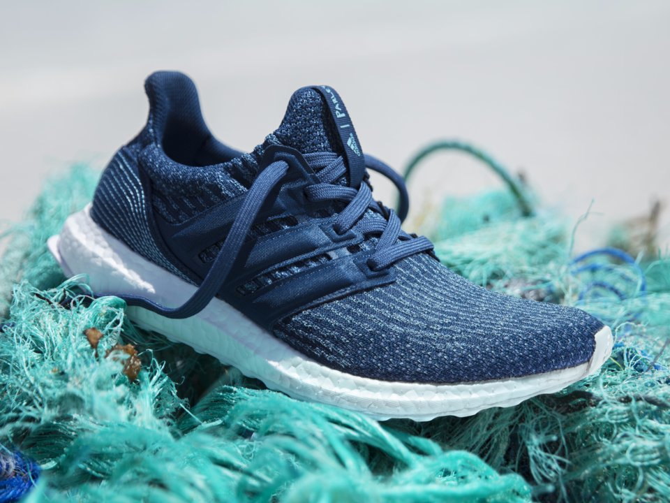 7cecd0bf9aa Nova coleção da Adidas tem como matéria prima resíduos plásticos retirados  do oceano