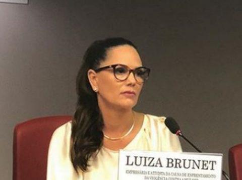 """""""Fui chamada de vagabunda e golpista"""", disse a ex-modelo Luiza Brunet"""