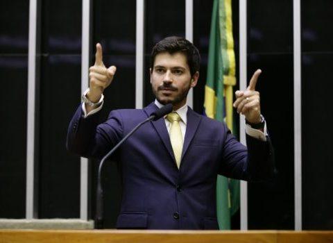 Grupo ligado ao presidente do PSL acusa o Planalto de traição e prepara nova lista para a liderança do partido