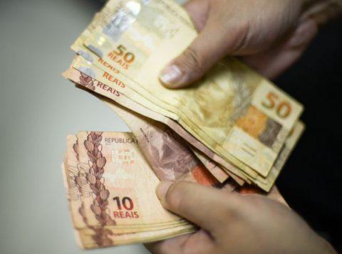 O governo gaúcho enviará à Assembleia Legislativa um projeto para permitir a indenização no pagamento parcelado do 13º salário do funcionalismo