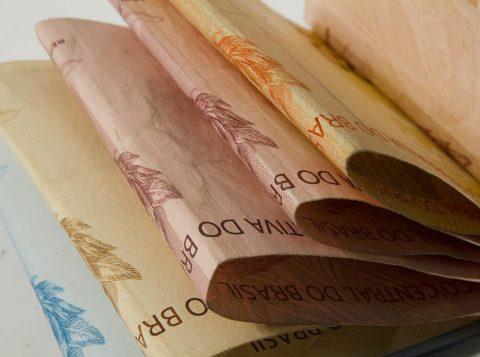 Brasil perde R$ 193 bilhões para o mercado ilegal.Esse valor é a soma das perdas registradas por 13 setores industriais e a estimativa dos impostos que deixaram de ser arrecadados em função desse crime