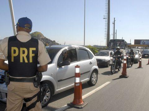 A Polícia Rodoviária Federal vai abrir mil vagas por ano em concursos