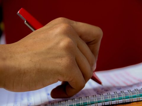 Rede municipal de ensino de Porto Alegre abre as rematrículas nesta segunda-feira
