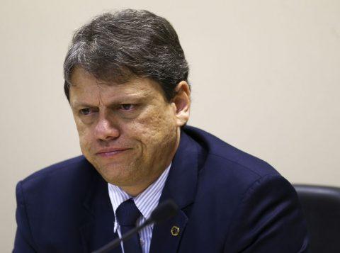 Ministro Tarcísio de Freitas afirma que novo fundo de infraestrutura começará com 35 bilhões de reais