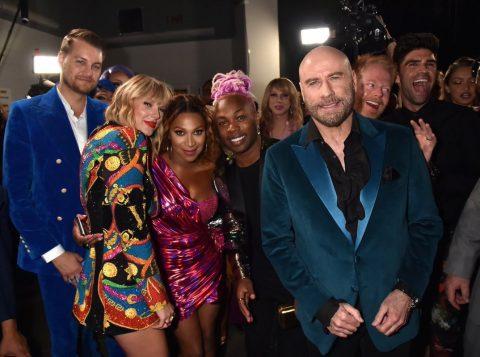 John Travolta se confunde e quase entrega troféu para drag queen vestida de Taylor Swift; confira outros melhores momentos do VMA 2019