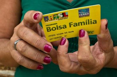 Com 13º, orçamento do Bolsa Família tem rombo de R$ 759 milhões