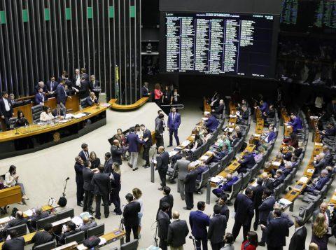 O racha no PSL colocou no centro da disputa o cargo de líder do partido na Câmara; entenda o que faz e qual a importância do posto