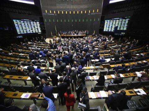 Bolsonaro aguarda uma melhora em clima político para enviar a proposta de reforma administrativa ao Congresso Nacional