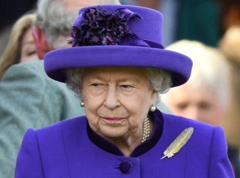 Rainha Elizabeth afirma que o Brexit em 31 de outubro é prioridade do governo