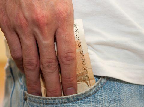 Governo gaúcho deposita nova parcela dos salários de setembro dos servidores estaduais