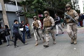 O Chile decretou novo toque de recolher em dia de saques