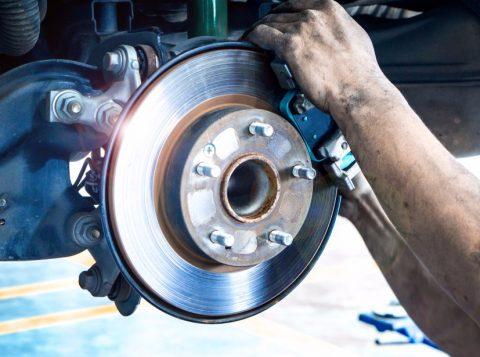 Muitos carros em circulação pelo País possuem outros tipos de freios, que não o ABS