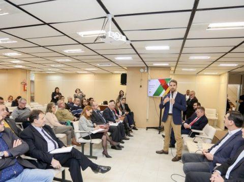 Governador apresenta proposta de reforma a lideranças da União Gaúcha em Defesa da Previdência
