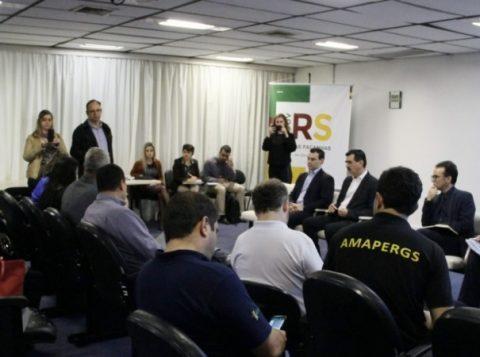 Governo discute reformas com entidades sindicais