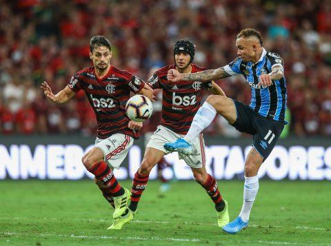 O Grêmio foi goleado por 5 a 0 pelo Flamengo e está fora da final da Libertadores