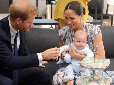 Harry e Meghan falam sobre o distanciamento da família real e pressões que sofrem da mídia