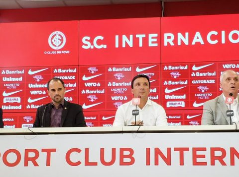 """""""Fui contratado para dar resultados. Aceitei esse desafio porque aqui tem ótimos profissionais"""", diz Zé Ricardo, o novo técnico do Inter"""