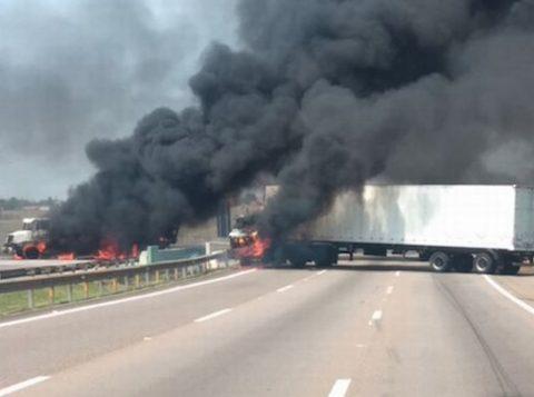Assalto no Aeroporto Internacional de Campinas termina com três mortos e cinco feridos. Bandidos chegaram em carros clonados da Polícia Federal e da Aeronáutica