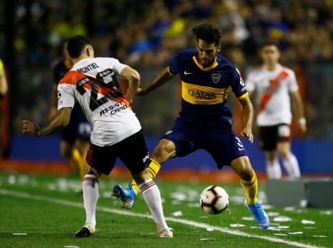 O Boca pressiona e vence na Bombonera, mas a vaga na final da Libertadores fica com o River