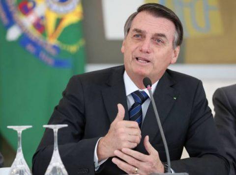 Bolsonaro defende que o filho Eduardo abra mão de embaixada nos Estados Unidos para pacificar o PSL
