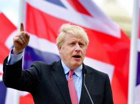 Em cima da hora, a União Europeia e o Reino Unido chegam a um acordo sobre o Brexit