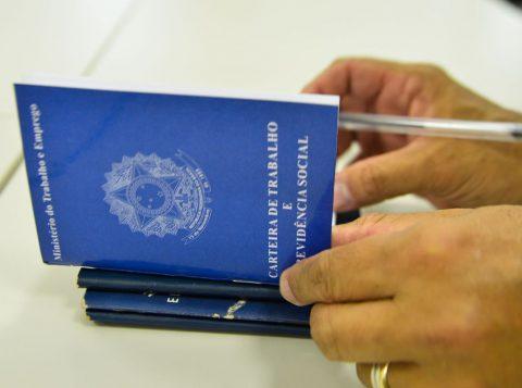 O Brasil criou 157 mil vagas de emprego com carteira assinada no melhor mês de setembro dos últimos seis anos
