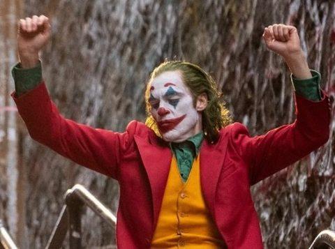 """""""Coringa"""" pode se tornar o filme de maior bilheteria para """"maiores"""" de todos os tempos"""