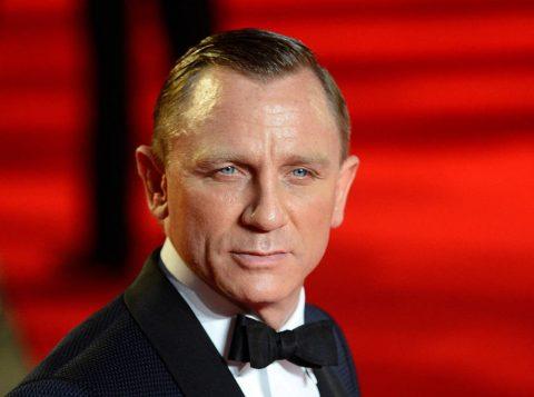 O novo filme de James Bond terá três finais gravados para manter segredo da produção