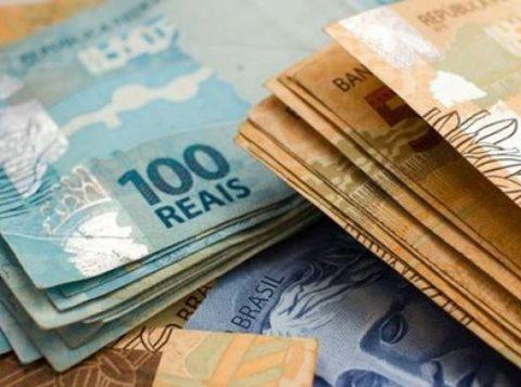 O chefe de setor da Operação Lava-Jato na Receita Federal tinha 230 mil reais escondidos
