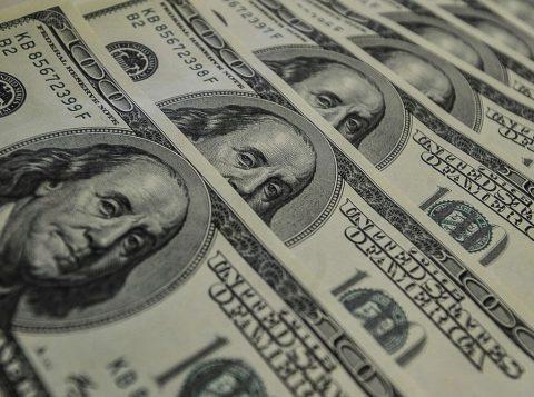 """""""Você quer o telefone do presidente do Banco Central?"""", rebateu Bolsonaro ao ser perguntado por um jornalista sobre o dólar cotado acima de 4 reais"""
