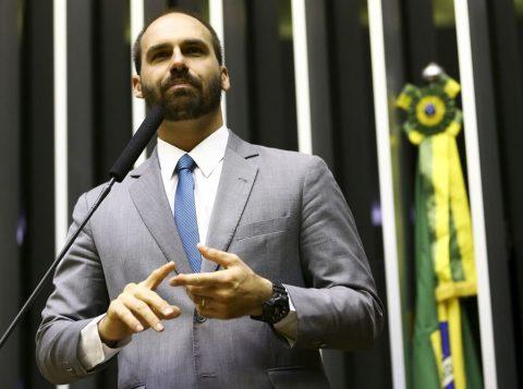 """Por ordem do filho Eduardo, um deputado do PSL foi """"desconvidado"""" de reunião com Bolsonaro"""
