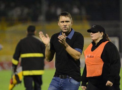 Em nota oficial, o Inter negou assinatura de contrato com Eduardo Coudet