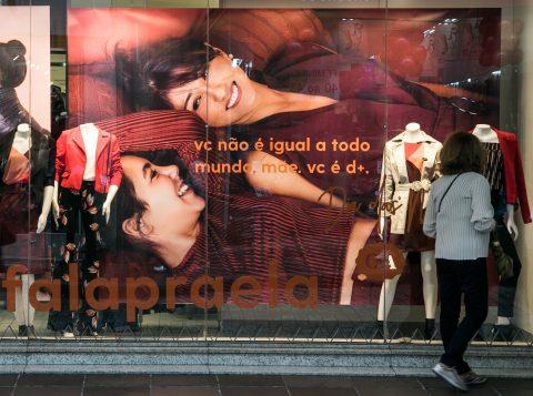 """Faltando mais de 40 dias para a """"Black Friday"""", o Procon de Porto Alegre já alerta para as armadilhas da promoção no comércio"""