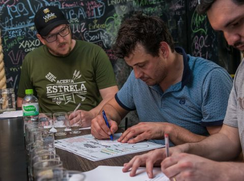 O projeto Porto Cervejeiro atraiu centenas de pessoas à cervejarias em Porto Alegre