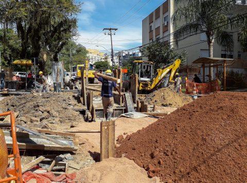 Trânsito terá desvios para nova etapa de obras do Arroio Areia
