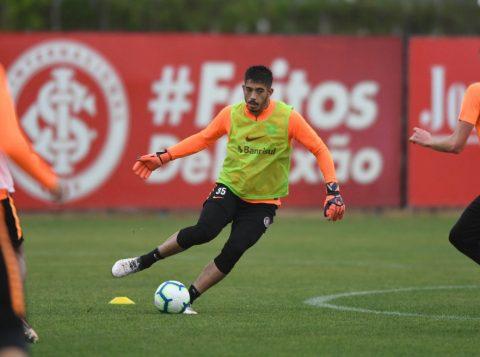 Sob chuva em Porto Alegre, o Inter se reapresentou e iniciou os treinamentos