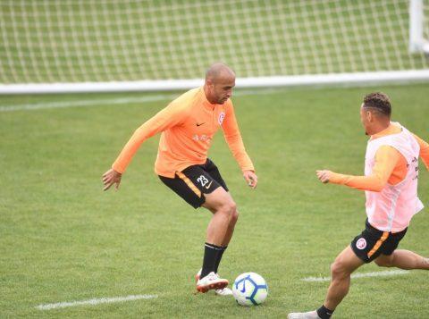 Inter enfrenta o Avaí nesta quinta pelo Brasileirão