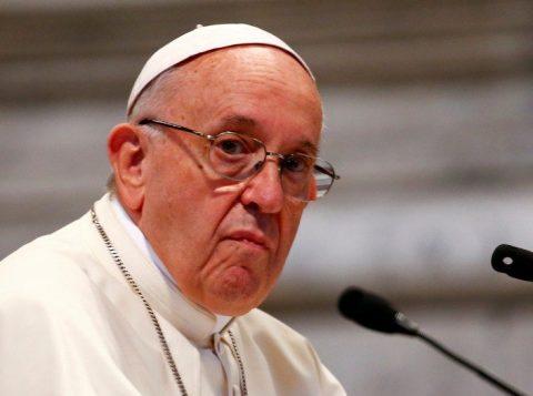 """O papa Francisco mandou uma mensagem ao Brasil no dia da Padroeira do nosso País, dizendo: """"trago no coração o povo brasileiro"""""""