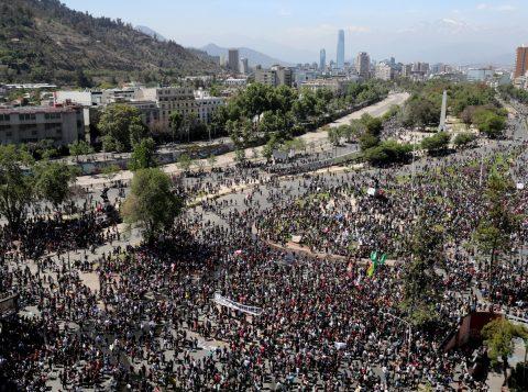 Manifestantes voltam às ruas em Santiago e outras cidades do Chile
