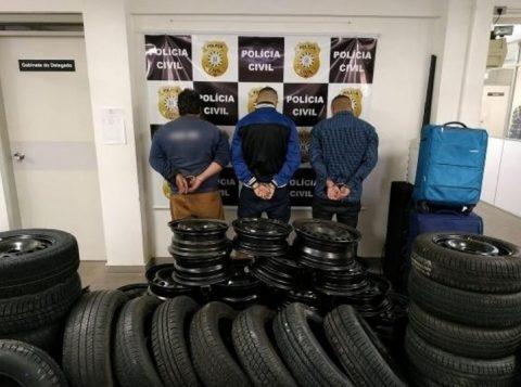 Polícia prende quadrilha que furtava rodas, estepes e objetos de veículos em Porto Alegre e na Região Metropolitana