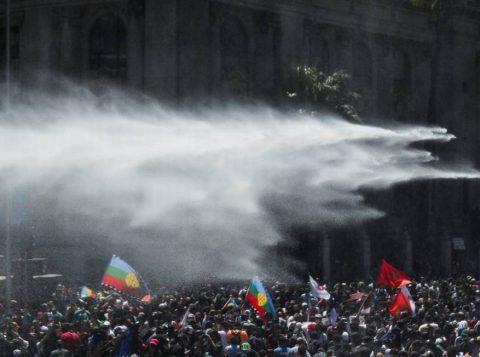 Um menino de 4 anos morre nos protestos no Chile e o total de vítimas sobe para 18