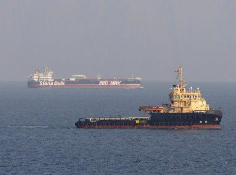"""Preços mundiais do petróleo têm alta após petroleiro iraniano ser atingido por """"prováveis"""" mísseis"""