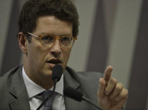 Governo pede na OEA que Venezuela se manifeste sobre óleo, diz ministro do Meio Ambiente