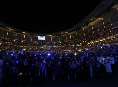 Primeira missa a Santa Dulce dos Pobres no Brasil leva milhares de fiéis à Arena Fonte Nova em Salvador
