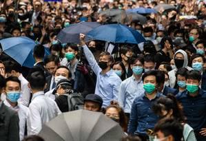 Com medo, alunos chineses deixam Hong Kong