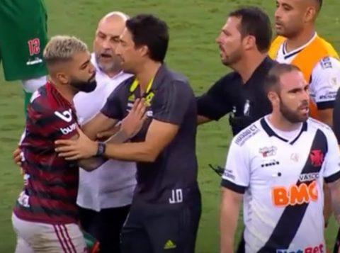 """O dirigente do Vasco que agrediu o atacante do Flamengo Gabigol pode pegar um """"gancho"""" pesado na Justiça Desportiva"""