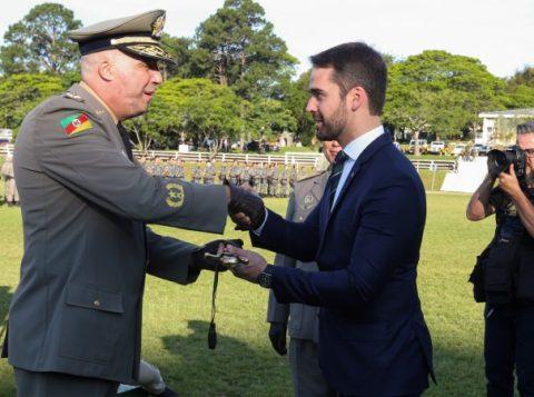 Nos 182 anos da Brigada Militar, coronel assume comando