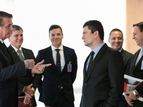 Com aval de Bolsonaro, o ministro Sérgio Moro reage a Lula, se contrapõe ao Supremo e pede ação no Congresso